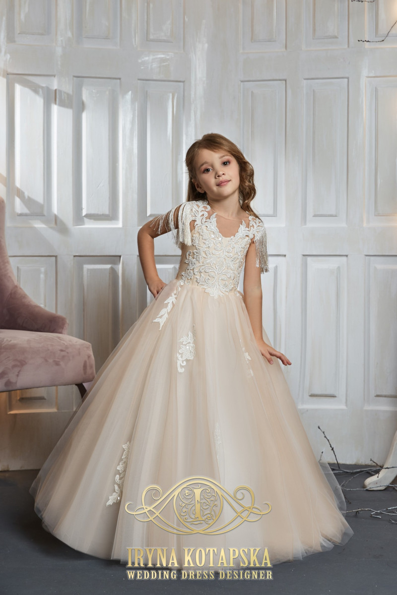 A-line wedding dress with lacing