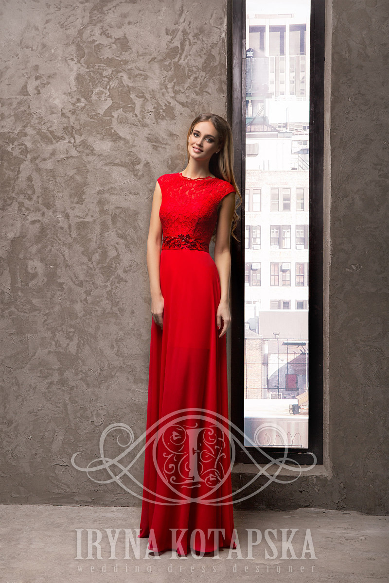 The waist creates a beautiful model of cocktail evening dresses