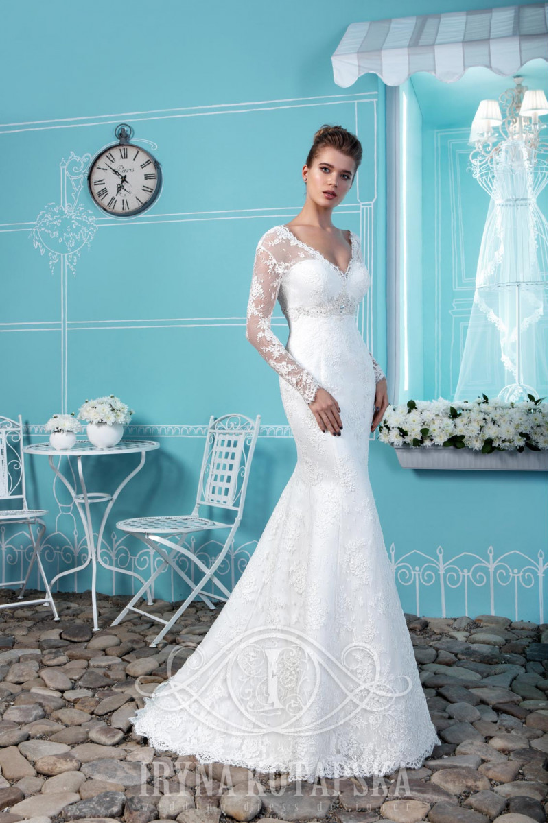 Wedding Dresses skirt is made of high quality tulle