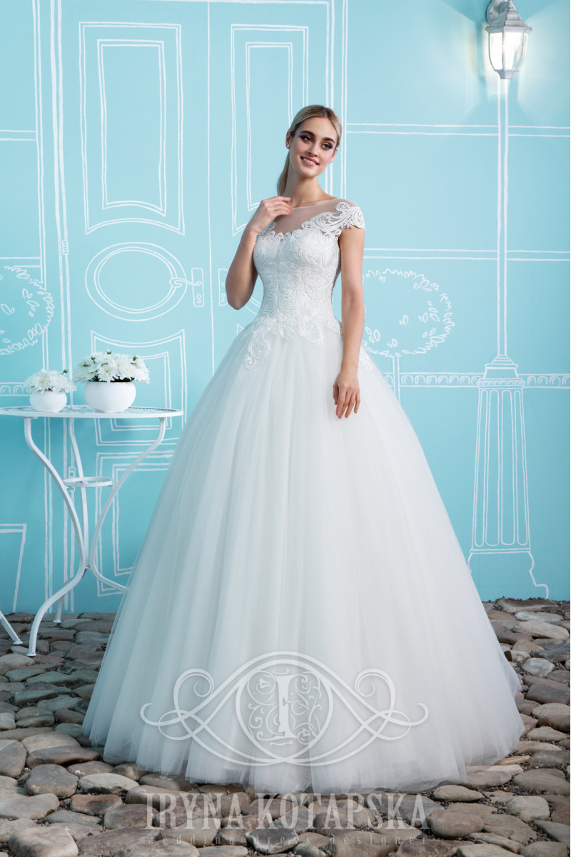 Wedding dress with embroidered beads