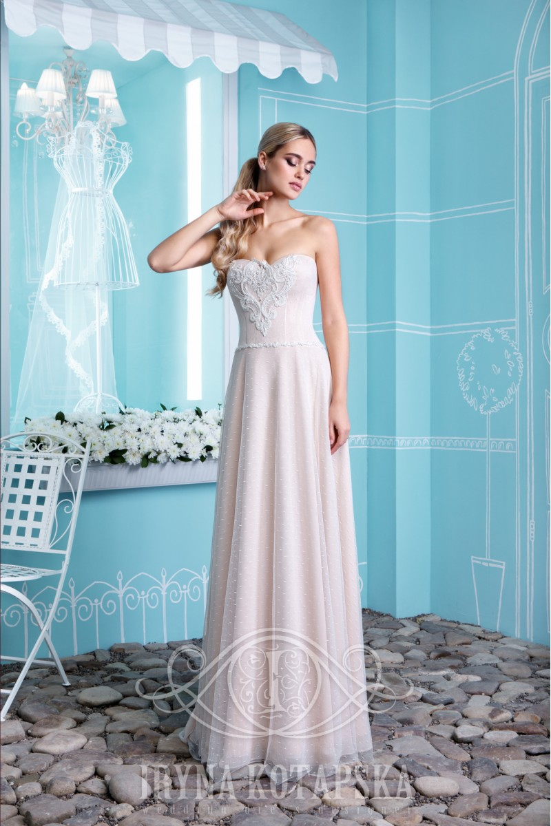 Wedding dress of a magnificent silhouette with a lock