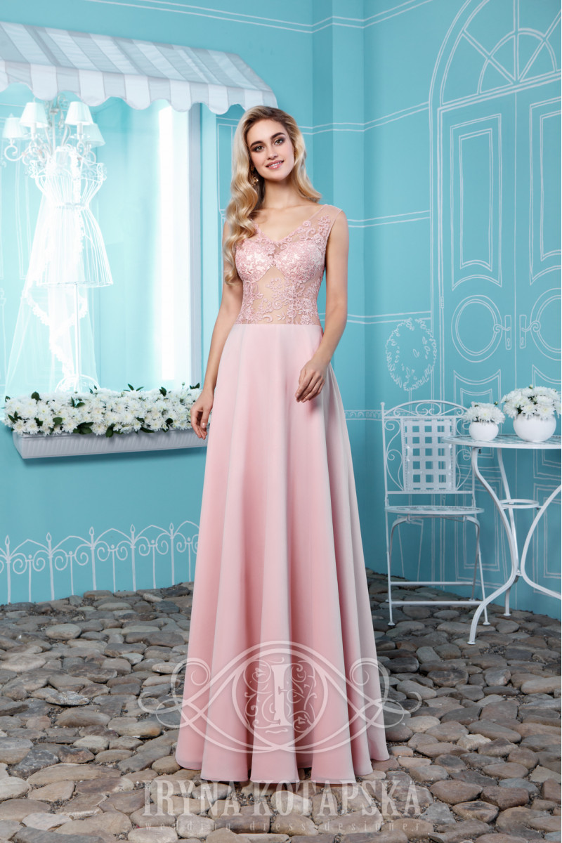 A smart empire wedding dress