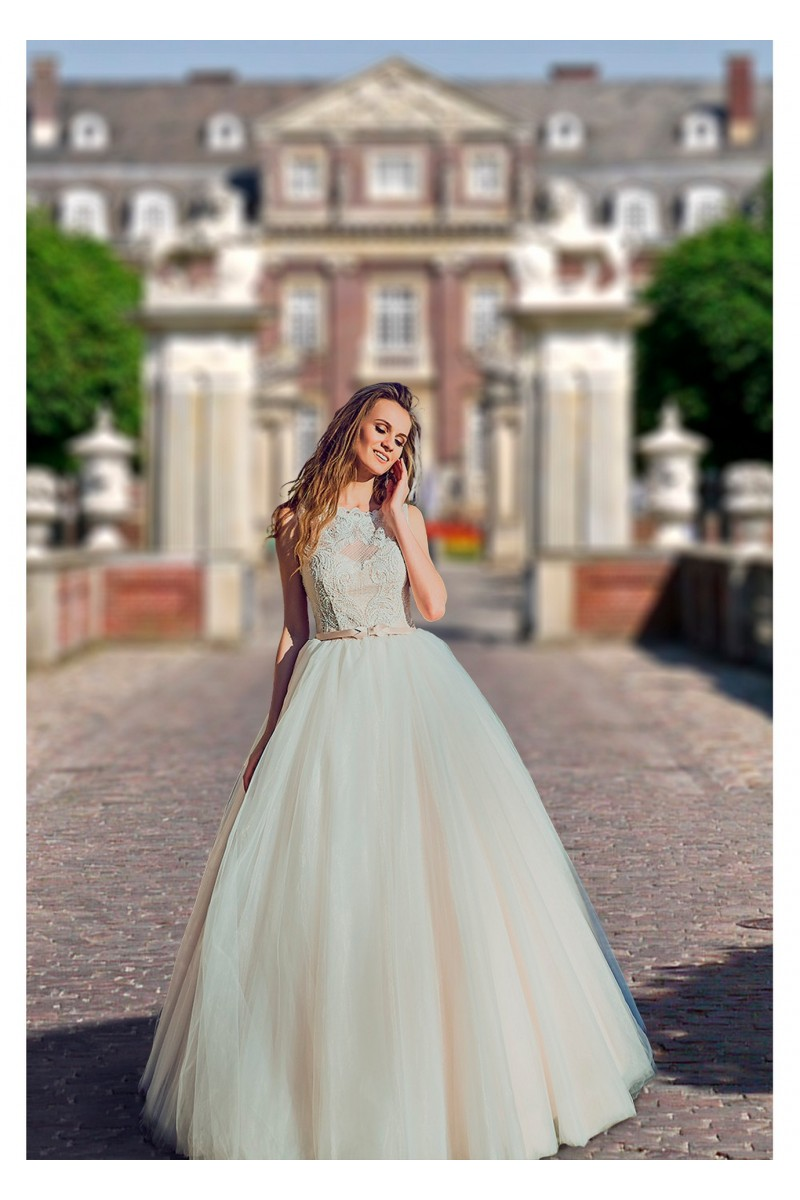 Wedding dress with buttons on the back