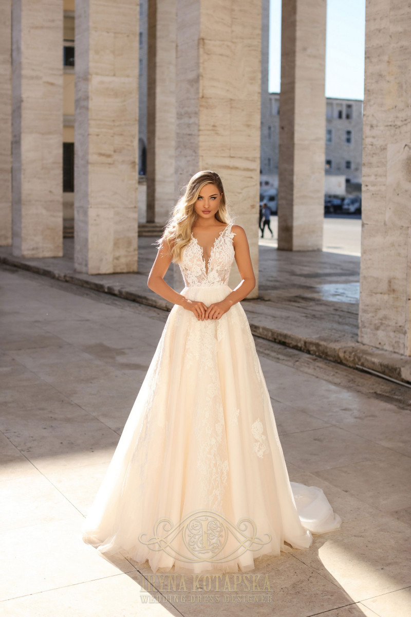 Wedding dresses with small pearls